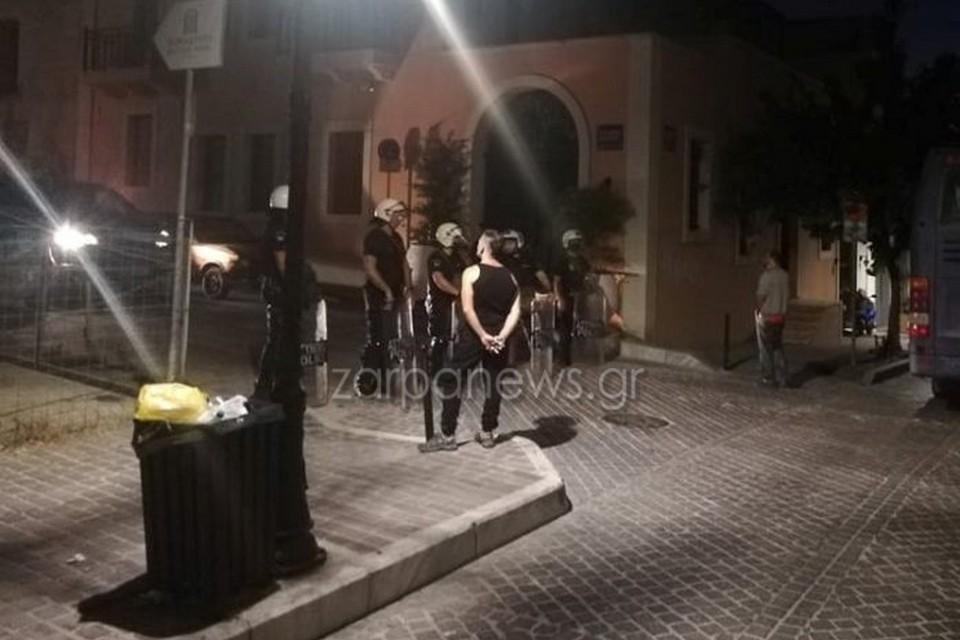 Χανιά: Εισβολή τον ΜΑΤ στη Ρόζα Νέρα - Εκκενώθηκε η κατάληψη (φωτο)