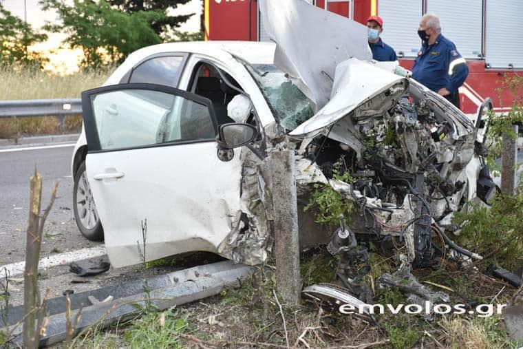 Σοκαριστικές εικόνες από τροχαίο δυστύχημα - Νεκρός ο 49χρονος οδηγός (φωτο)
