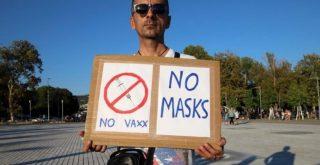 Πρόεδρος φαρμακοποιών: «Tσαρλατάνοι οι αρνητές μάσκας, βάλτε τους στο περιθώριο» (video)