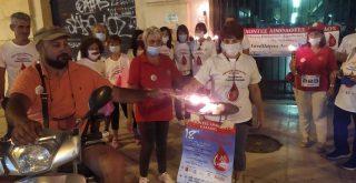 """Χανιά: Η """"φλόγα της αγάπης"""" άναψε στην Πλατεία της Δημοτικής Αγοράς (video)"""