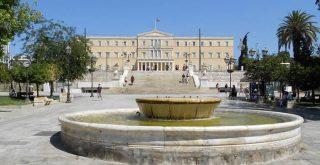 18χρονος Χανιώτης δέχθηκε επίθεση από συμμορία ανηλίκων στην πλατεία Συντάγματος