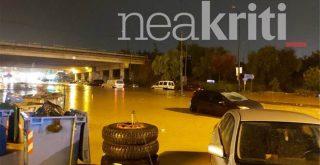 Κρήτη: Σοβαρά προβλήματα από την κακοκαιρία - Ποτάμια οι δρόμοι, πλημμύρισαν υπόγεια, ζημίες στο αεροδρόμιο