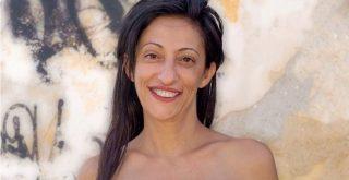 Μία Χανιώτισσα που νίκησε τον καρκίνο φωτογραφίζεται μετά από διπλή μαστεκτομή και στέλνει μήνυμα σε όλες τις γυναίκες