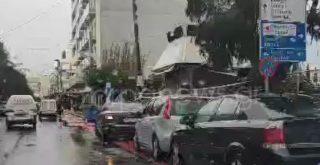 Χανιά: Party από αυτοκίνητα πάνω στο φρεσκοβαμμένο ποδηλατόδρομο (video)